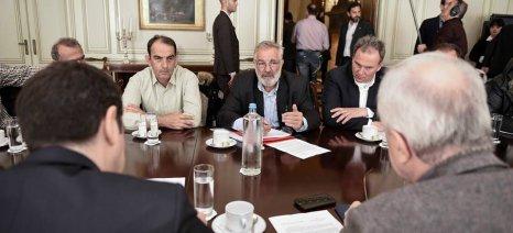 Ο λόγος τώρα στα μπλόκα - Ολοκληρώθηκε η συζήτηση εκπροσώπων των αγροτών με τον πρωθυπουργό (upd)