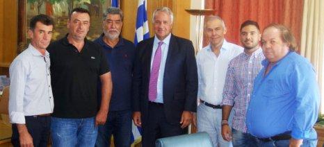 Νομική και επιστημονική αντιμετώπιση των ελληνοποιήσεων βρώσιμης ελιάς υποσχέθηκε ο Βορίδης