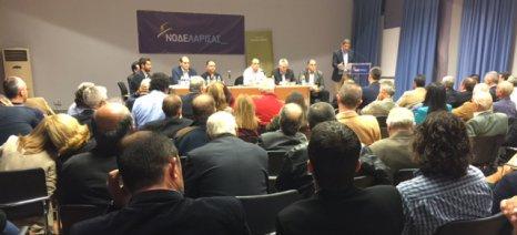 Συζήτηση κλιμακίου της ΝΔ με τους αγρότες σε Σοφάδες και Τύρναβο
