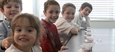 Τυρί και γιαούρτι θα προωθούνται από την επόμενη χρονιά στα σχολεία