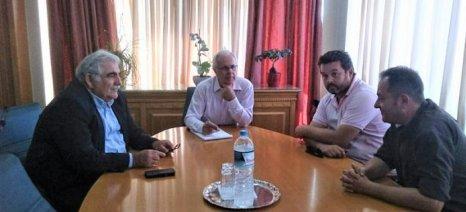 Αποστόλου και Παπαδόπουλος συναντήθηκαν με εκπροσώπους μικρών οινοποιείων