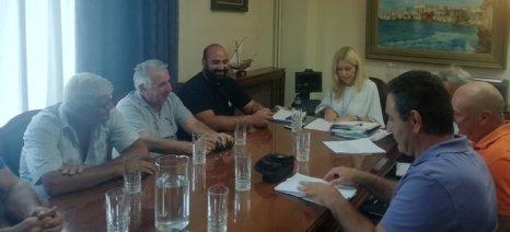 Με εκπροσώπους του Πανελλήνιου Δικτύου Παράκτιων Αλιευτικών Συλλόγων συναντήθηκε η Αραμπατζή