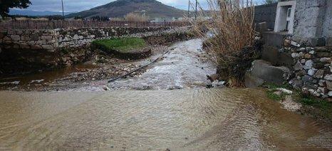 Καταστροφές σε Πάρο και Νάξο από τις ισχυρές βροχοπτώσεις