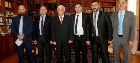 Στον Προκόπη Παυλόπουλο το προεδρείο της Πανελλήνιας Ένωσης Νέων Αγροτών