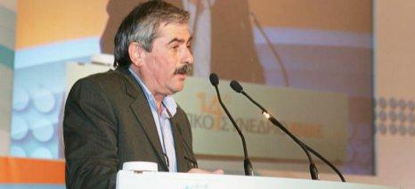 Πετράκος προς Αποστόλου: Καθυστερεί η πληρωμή της σταφίδας του 2014