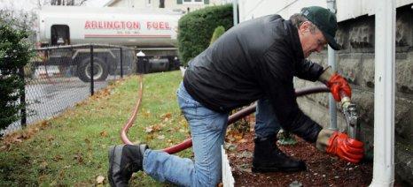 Με «βάρη» ξεκινάει αύριο το πετρέλαιο θέρμανσης, από Νοέμβριο τα νέα για το επίδομα