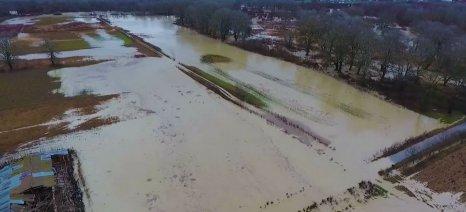 Πλημμύρες και καταστροφές από την κακοκαιρία του Σαββάτου σε Βόρεια και Δυτική Ελλάδα