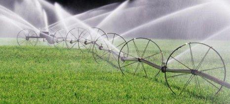 Αυθαίρετες καθυστερήσεις στις άδειες νερού καταγγέλλουν οι γεωτεχνικοί