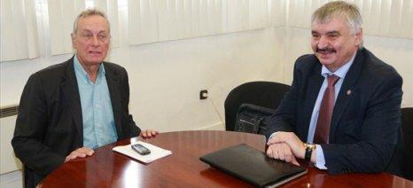 Η υπηρεσία Rosselkhoznadzor θα ζητήσει εξαίρεση των ελληνικών φρούτων από το εμπάργκο