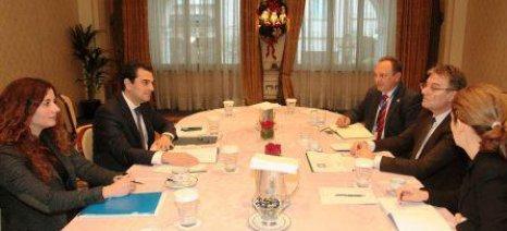 Συνάντηση Σκρέκα με τον Σέρβο Υφυπουργό Γεωργίας