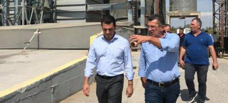 Ορυζοπαραγωγούς στη Χαλάστρα Θεσσαλονίκης επισκέφθηκε ο Σκρέκας