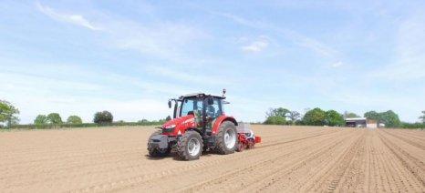 Με μικρότερο ρυθμό μειώθηκε η αξία της αγροτικής παραγωγής το 2014