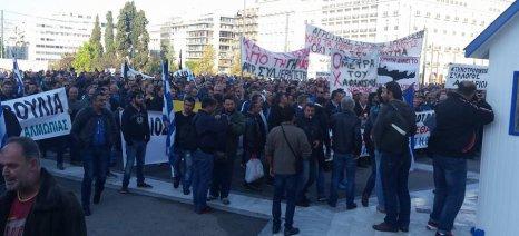 Στις 5 το απόγευμα της Παρασκευής θα φτάσει στην πλατεία Συντάγματος ο κύριος όγκος των διαδηλωτών-αγροτών