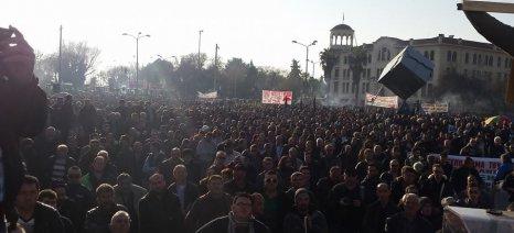 Μαζικό ήταν το συλλαλητήριο των αγροτών στη Θεσσαλονίκη - δεν εγκαινίασε την Agrotica o Αποστόλου
