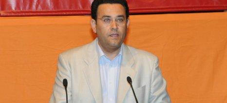 Μάχη στη Βουλή μεταξύ ΣΥΡΙΖΑ και ΚΚΕ για τη δακοκτονία στην Κρήτη