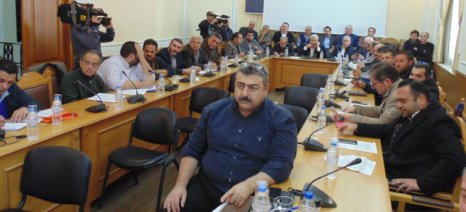 Στις περιφέρειες εξ ολοκλήρου η δακοκτονία - αντιδρούν Κρήτη και Πελοπόννησος