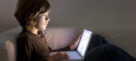 Έρευνα: οι οθόνες υποβαθμίζουν την ποιότητα ύπνου των εφήβων