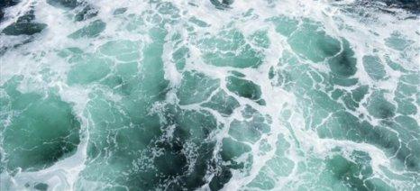 Θαλασσινό νερό μετατρέπεται σε πόσιμο με ηλιακή ενέργεια
