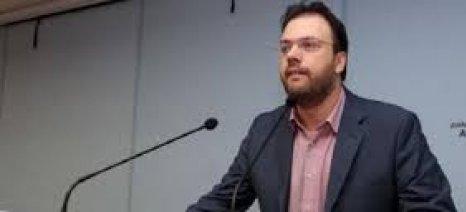Θεοχαρόπουλος: Να καταργηθεί ο φόρος στο κρασί