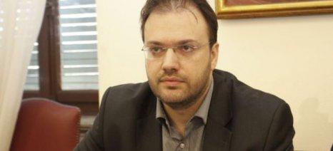 Θεοχαρόπουλος: Ο ΣΥΡΙΖΑ προχωρά σε μέτρα που θα οδηγήσουν σε πλήρη συρρίκνωση της παραγωγής
