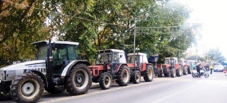 Στον Πλατύκαμπο στρατοπεδεύει μία μερίδα των αγροτών που συμμετείχαν στο μπλόκο των Τεμπών - τι γίνεται στην υπόλοιπη Θεσσαλία