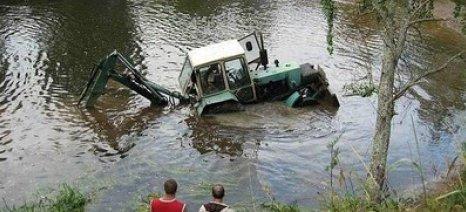 Τραγικός θάνατος στον Έβρο - Αγρότης πνίγηκε σε λίμνη όταν ανατράπηκε το τρακτέρ του