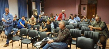 Με τρακτέρ υποδέχονται τον πρωθυπουργό οι αγρότες του Τυρνάβου