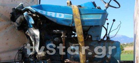 Τρακτέρ κόπηκε στα δύο σε τροχαίο στη Λιβαδειά