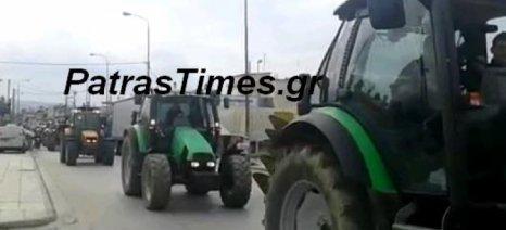 Έφοδος των αγροτών στην πόλη της Πάτρας, με στόχο τα γραφεία του ΟΠΕΚΕΠΕ και την εφορία