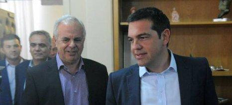 Τσίπρας - Αποστόλου: Διεκδικούμε ευνοϊκότερη φορολογική μεταχείριση για κατά κύριο επάγγελμα και νέους αγρότες
