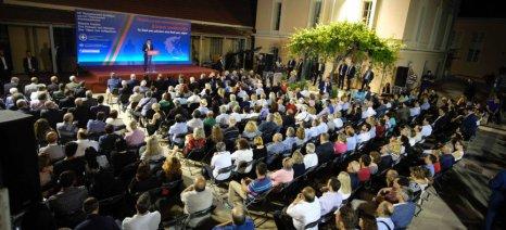 """Την παραχώρηση ελαιοκτήματος στην ΚοινΣΕπ """"Μοδούσα"""" ανακοίνωσε ο Τσίπρας από τη Λέσβο"""