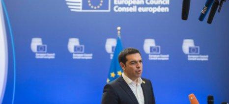 Πολιτική διαχείριση στο εσωτερικό και το εξωτερικό για τον Τσίπρα