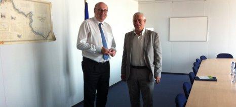 Με τον Επίτροπο Χόγκαν συναντήθηκε ο Τσιρώνης για τα θέματα της βιολογικής γεωργίας