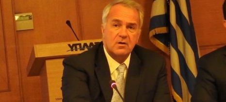 Μετά από έξι μήνες ο Βορίδης «αποκάλυψε» ότι ήξερε ποια μέτρα έπρεπε να λάβει για τη στήριξη των ελαιοπαραγωγών