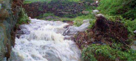 Πλημμυρικές βροχές κατέστρεψαν χιλιάδες αμπελώνες και ελαιώνες στην Κρήτη