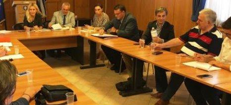 Ενιαιοποίηση βάσεων δεδομένων ως αντίδοτο στις ελληνοποιήσεις προανήγγειλε η Αραμπατζή