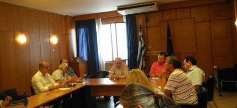Σύσκεψη στο ΥΠΑΑΤ για τις ενισχύσεις στα ροδάκινα και το αίτημα προς την Κομισιόν