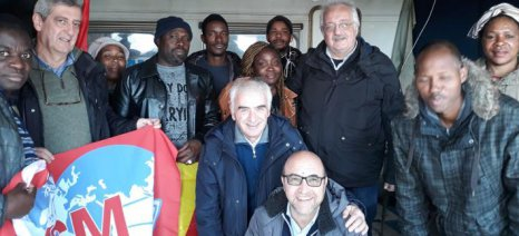 Στα γκέτο εργατών γης στη Φότζια ο ευρωβουλευτής του ΚΚΕ Σ. Ζαριανόπουλος