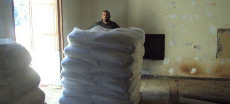 Τσιρώνης: «Μελετάται τροπολογία για να υπαχθούν οι σύνθετες ζωοτροφές στο 13%»