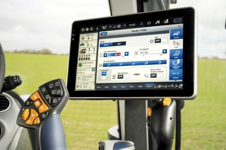 AgroPublic   new holland launches new t7 heavy duty 590555